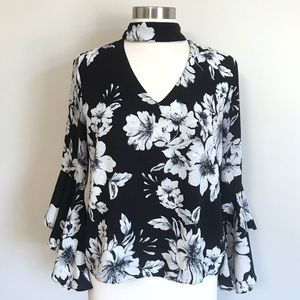 Gianni Bono Floral Keyhole Bell Sleeve Blouse